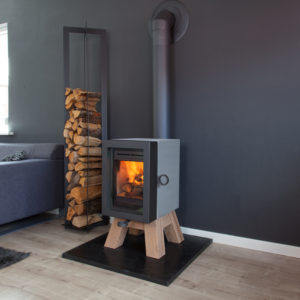 oak insert stove, wanders stove, small landscape insert fire, efficient woodburner, external air supply insert stove, minimalist stove, glass fronted stove, freestanding stove, modern stove, portrait stove